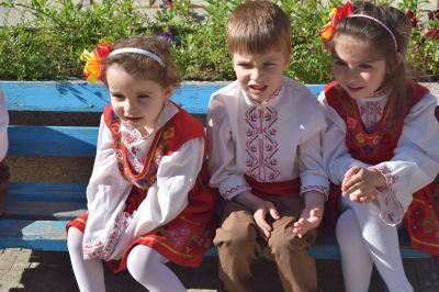 Народни танци 1 - ДГ Незабравка - Пловдив