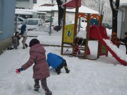 Да направим снежни топки - ДГ Незабравка - Пловдив