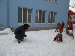 Бой със снежни топки - ДГ Незабравка - Пловдив